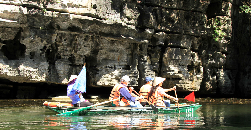 Discover Vietnam Caves and Karsts